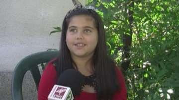 Звезда на 8 години: Малката Елизабет с първа авторска песен и фенове в Youtube