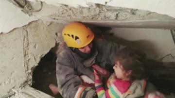 5-годишно момиченце беше спасено близо ден след земетресението в Турция