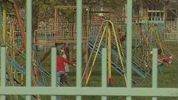 Социалните помощи се обвързват с посещението на детска градина или училище