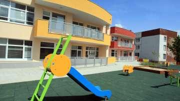 7000 деца се борят за 3500 места в детските градини в София