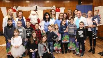 Дядо Коледа раздаде подаръци на оперирани във ВМА деца