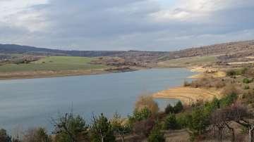 Откриха 29 нерегламентирани отклонения на вода от язовир Дяково