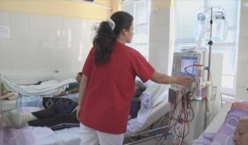 Пациенти на хемодиализа от Варна организират подписка, с която настояват