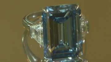Рядък син диамант на търг в Женева