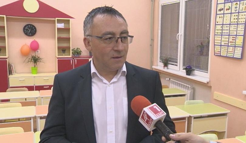 Зам.-министър Диян Стаматов за новите извинителни бележки в училище