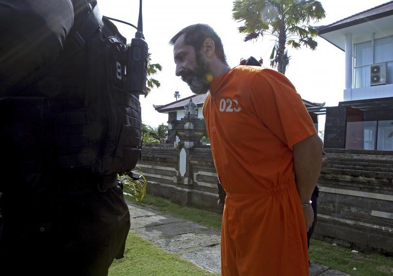 снимка 1 Обратно зад решетките: Димитър Илиев беше върнат в индонезийски затвор (СНИМКИ)