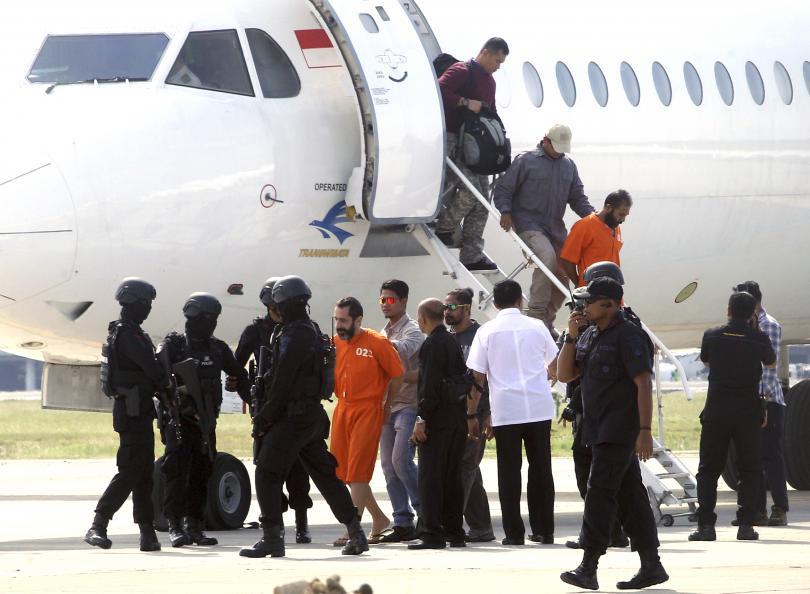 обратно решетките димитър илиев беше върнат индонезийски затвор снимки