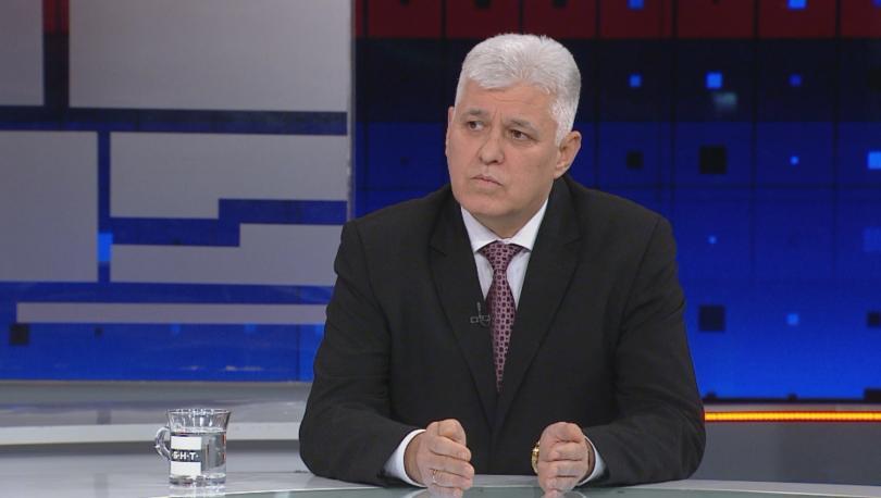 Противопоставянето между институциите не е в полза на българското общество.