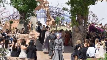 Модна къща Диор пищно отпразнува своята 70-годишнина