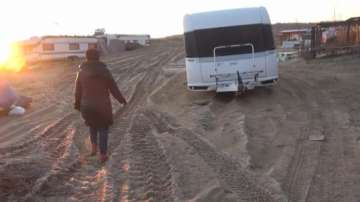 Румяна Арнаудова: Трима души са задържани за унищожените дюни