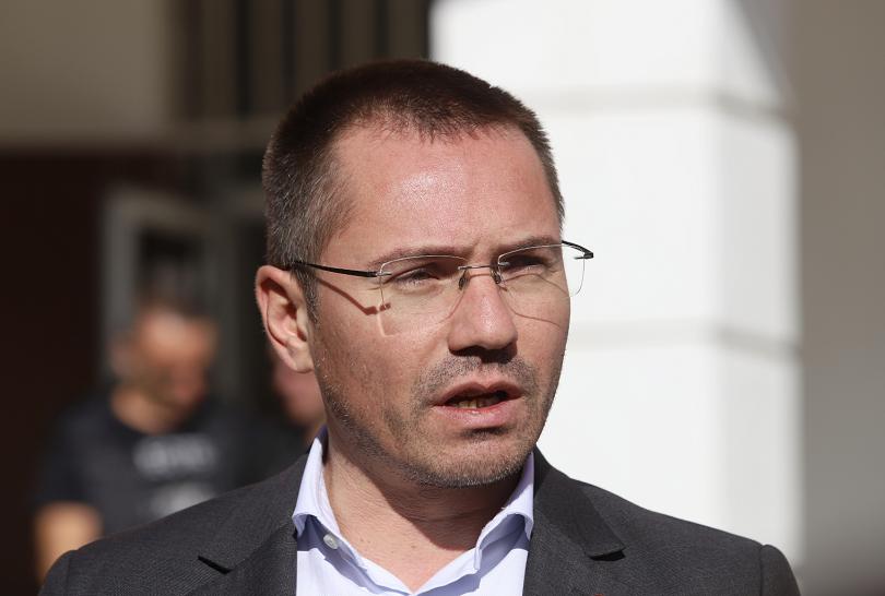 Евродепутатът Ангел Джамбазки се извини за расистките си изказвания спрямо
