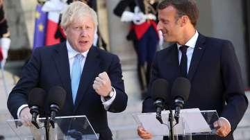 Борис Джонсън пристигна в Париж за разговори Еманюел Макрон