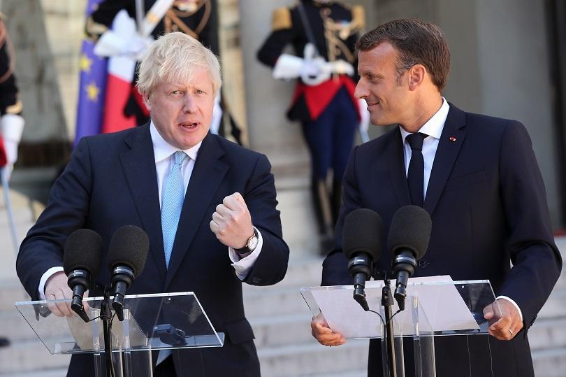 Британският премиер Борис Джонсън пристигна на посещение в Париж за