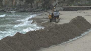 Защо копаят морето в Созопол?