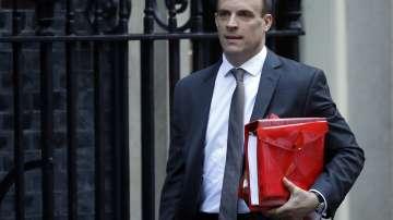 Британският министър за Брекзит Доминик Рааб подаде оставка