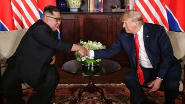 Историческо събитие: Доналд Тръмп се срещна с Ким Чен-ун