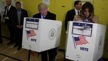 Доналд Тръмп гласува на президентските избори в САЩ (СНИМКИ)