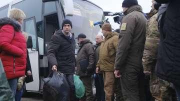 Киев и проруските сепаратисти осъществиха мащабна размяна на пленници