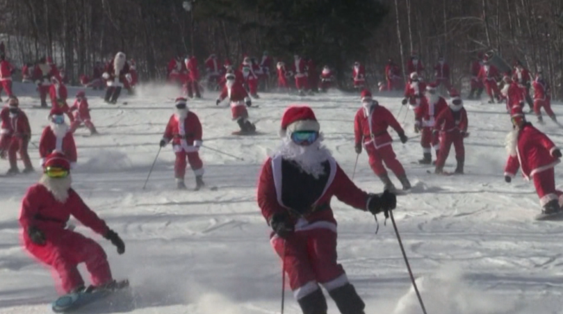 Коледно-новогодишното настроение вече е обхванало света. Традиционно около празниците се