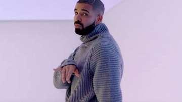 Рапърът Дрейк оглави за седма седмица класацията на Билборд за сингли