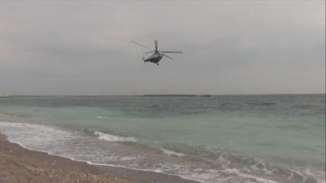 Полицаи претърсват плажове за пакети с наркотици в Румъния