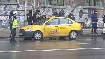 Дрогиран младеж блъсна трима полицаи в София