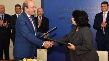 Подписахме споразумения за финансирането на газовата връзка България - Гърция