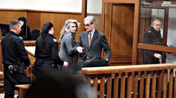 Съдът пусна жената на Божков срещу рекордните 1,5 млн. лева