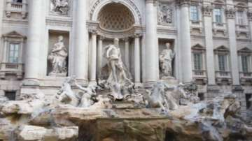 Спор за пари между управата на Рим и Католическата църква