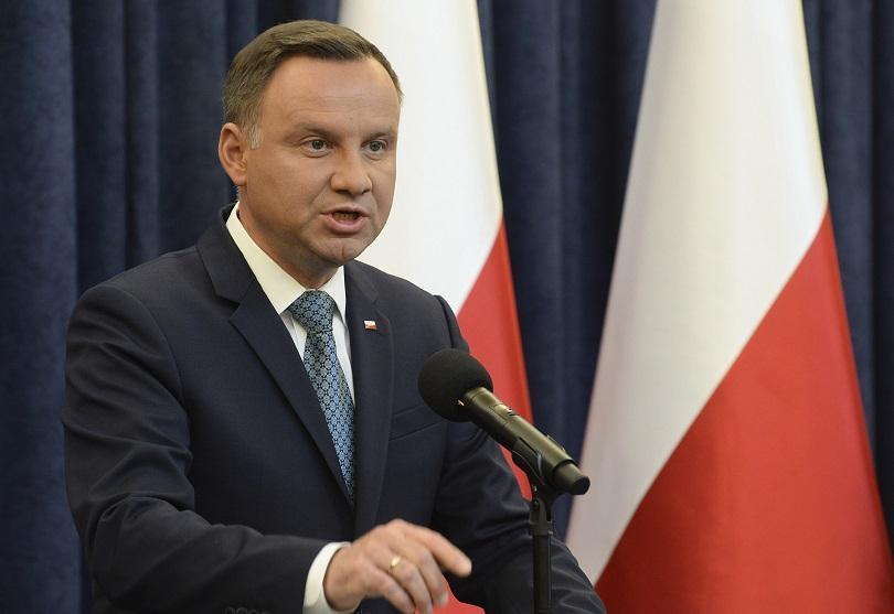 московиси надява полският президент подпише спорния закон холокоста