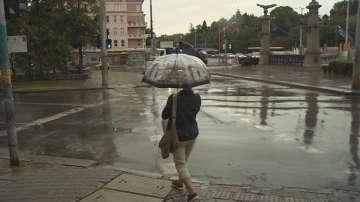 Рязкото захлаждане на времето дойде с бури и силен дъжд