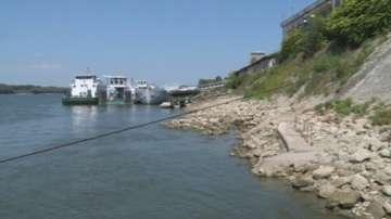 Опасно ниско е нивото на река Дунав