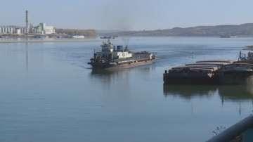 Ниските нива на Дунав блокираха над 20 кораба край Свищов