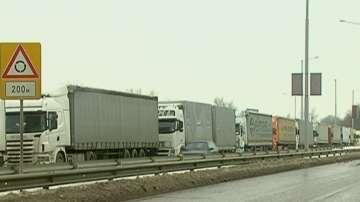 Натоварен трафик по Дунав мост 1 и 2