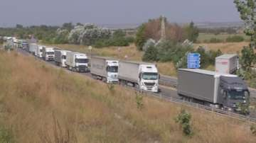 Километрична опашка от камиони на Дунав мост 2