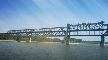 """Километрични опашки от ТИР-ове се образува на """"Дунав мост"""" при Русе"""