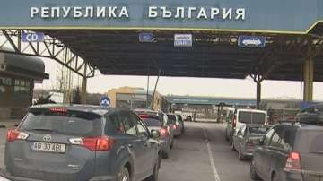 Засилен трафик на Дунав мост, стотици румънци ще празнуват у нас