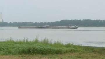 Продължава 24-часовото наблюдение на нивото на река Дунав