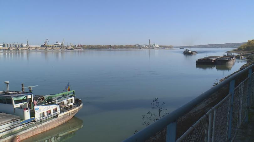 Прагове край Белене и Тутракан затрудняват корабоплаването по Дунав