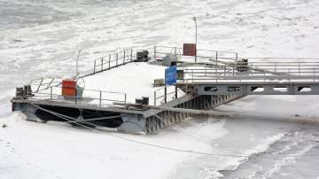 Ледът скова изцяло река Дунав при Русе (СНИМКИ)