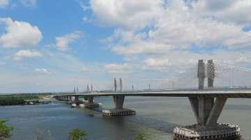 Проверяват сигнал за нефтено петно край Дунав мост 2