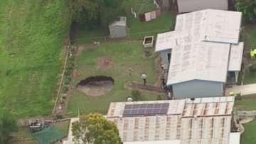 Мистериозна дупка зейна в двора на австралийци