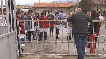 Протестиращите шивачки от Дупница ще получат парите си