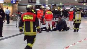Въоръжено нападение с брадви на гарата в Дюселдорф (СНИМКИ и ВИДЕО)