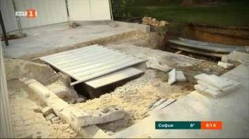 Реставрират гробницата, открита при ремонт пред входа на Столична община