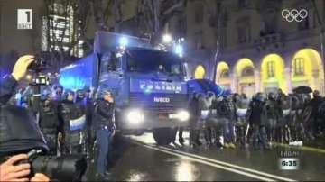 Сблъсъци между антифашисти и полиция в Италия