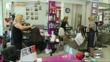 Все повече русенки даряват косите си за перуки в помощ на онкоболни жени