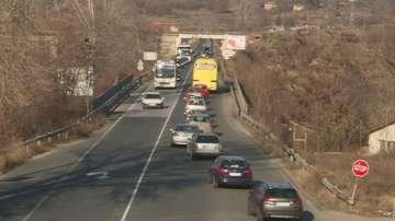 Натоварен трафик по главния път Е-79 между Кресна и Благоевград