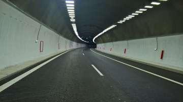 Утре затварят движението в тунел Ечемишка в посока Варна заради учение