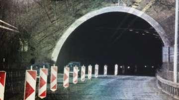 Пуснаха движението през тунела Ечемишка